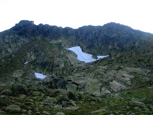 La área Cresta de Claveles